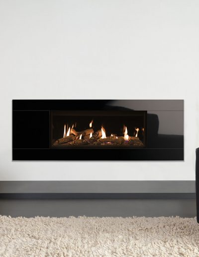 Studio-2-CF,-Glass,–with-Log-effect-fuel-bed-and-Black-Glass-lining